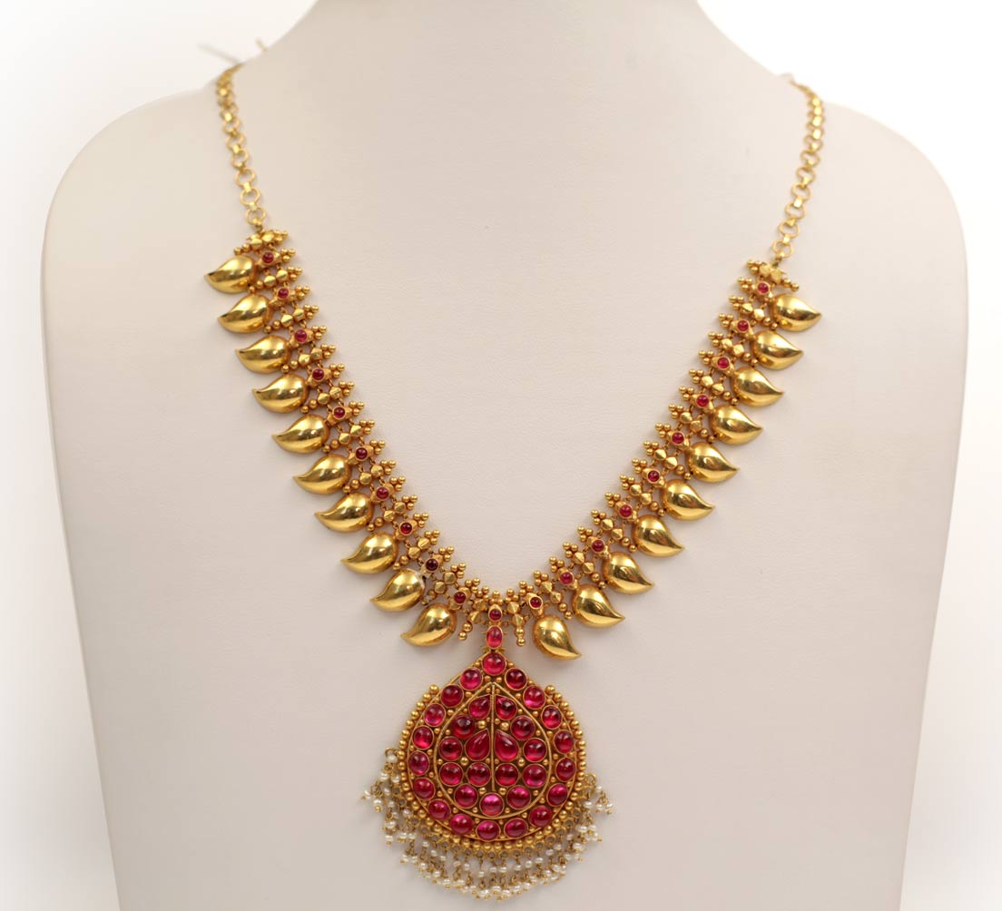 simple necklace designs in gold