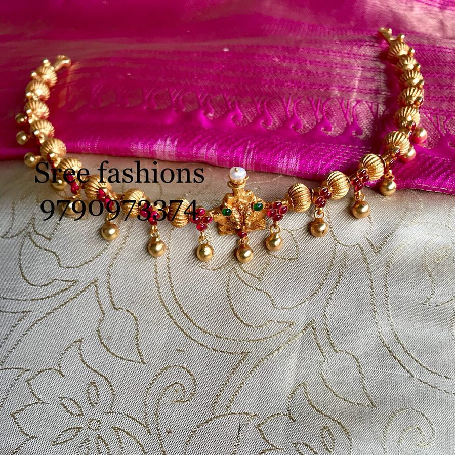 gold-plated-jewellery-designs-for-sarees (7)