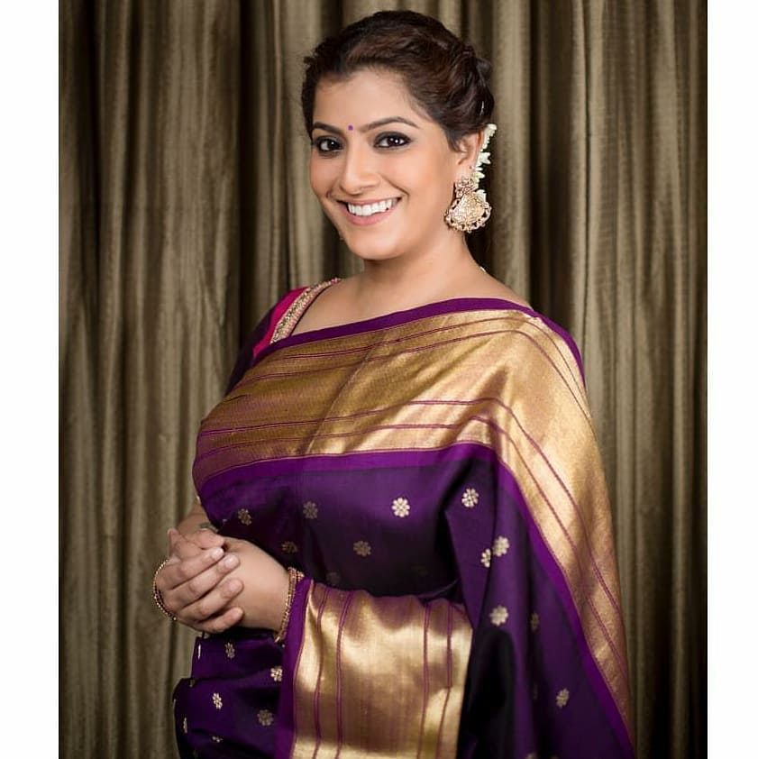 how-to-style-saree-with-right-jewellery (4)
