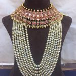 Bold Pearl Necklace Are Always A Hottest Accessory To Wear