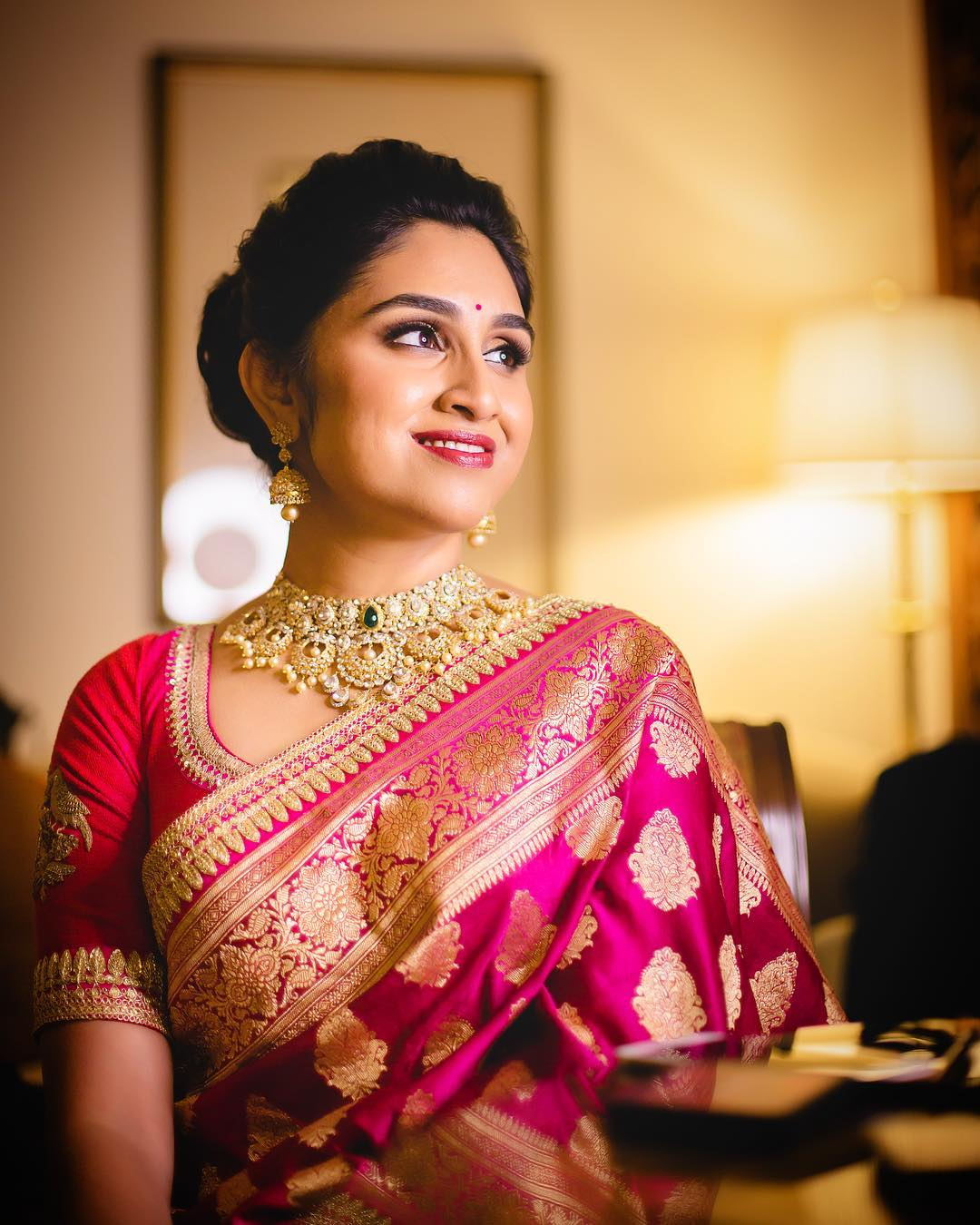 saree-with-bold-antique-gold-jewellery (3)