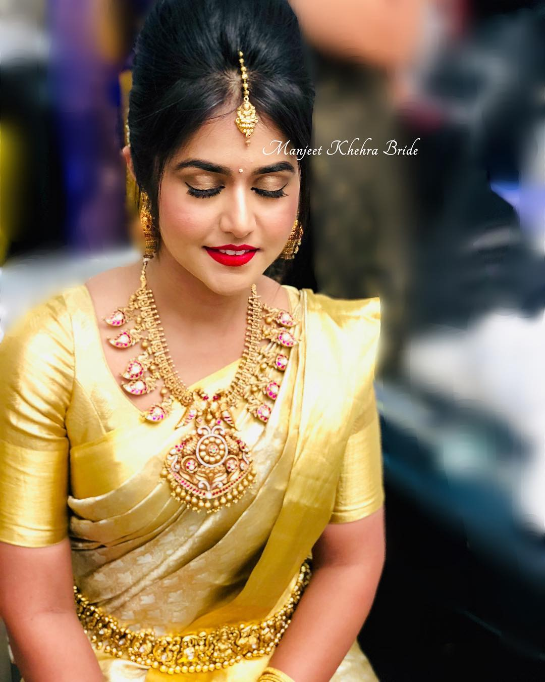 saree-with-bold-antique-gold-jewellery (5)