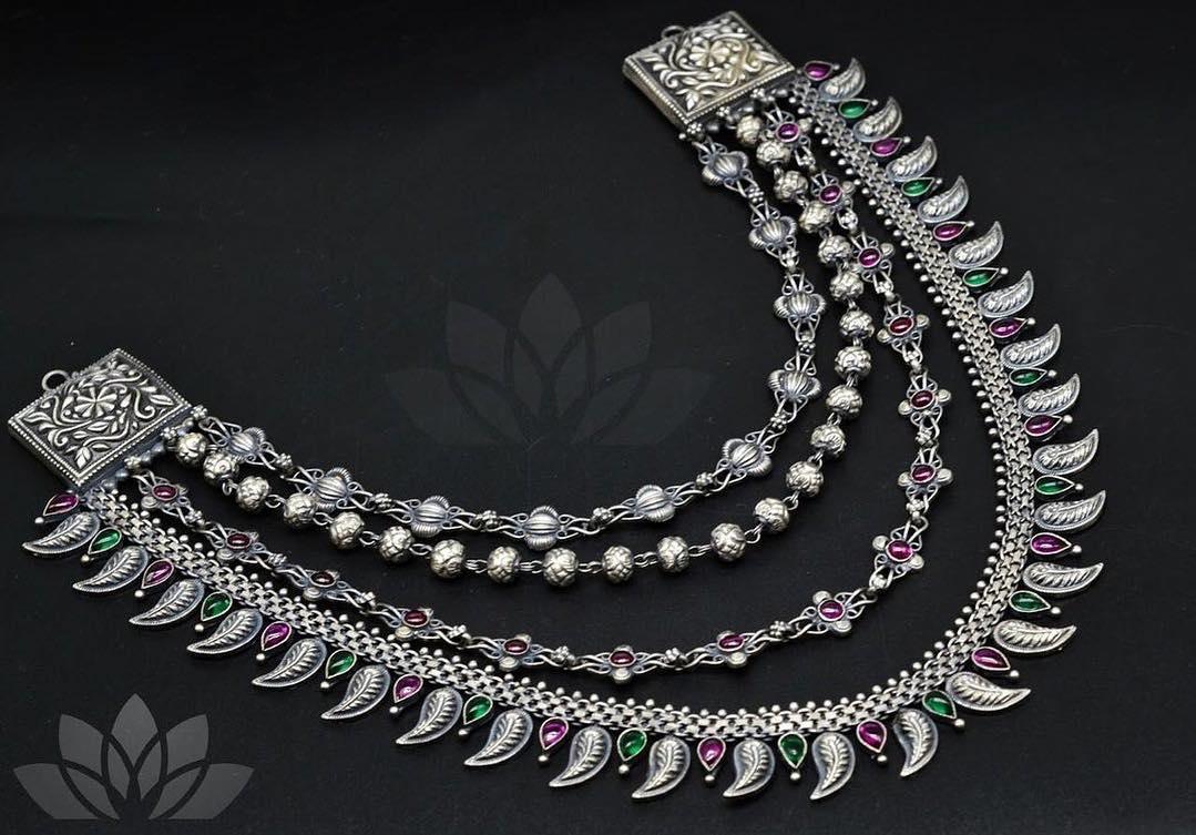 multi-layer-necklace-designs-2019 (9)