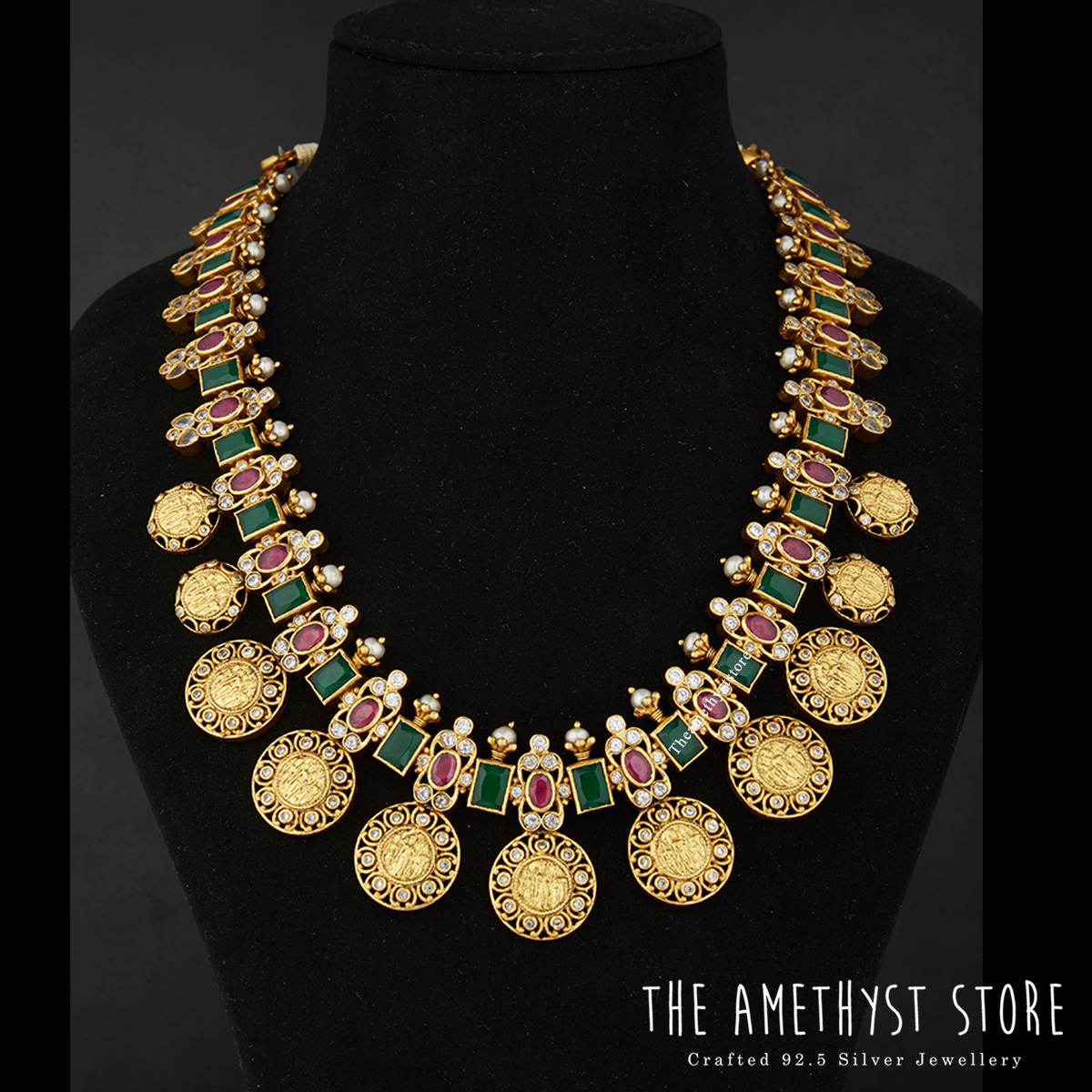 traditional-south-indian-bridal-jewellery-collections-online (1)
