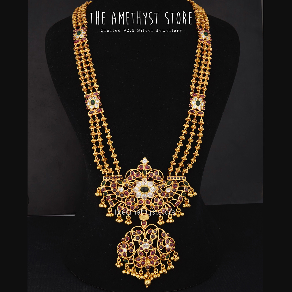 traditional-south-indian-bridal-jewellery-collections-online (10)