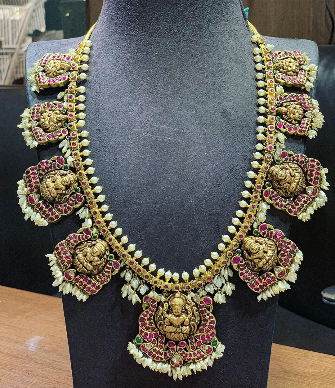 shop-south-indian-gold-haram-designs-online (13)