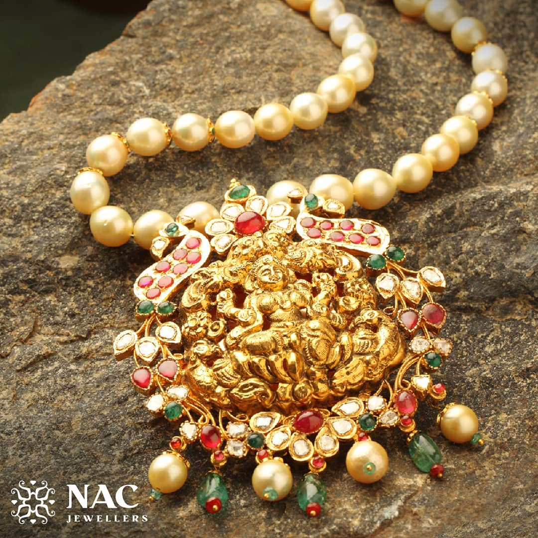 south-indian-gold-temple-jewellery-collections (12)