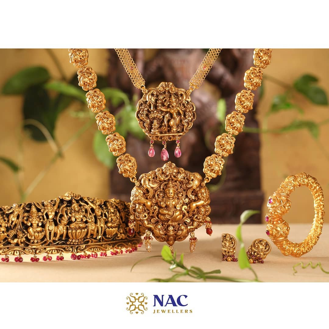 south-indian-gold-temple-jewellery-collections (13)