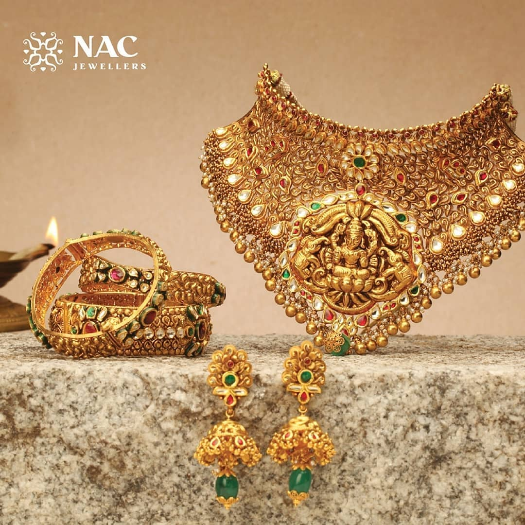south-indian-gold-temple-jewellery-collections (16)