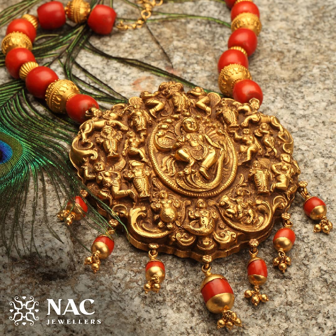 south-indian-gold-temple-jewellery-collections (17)