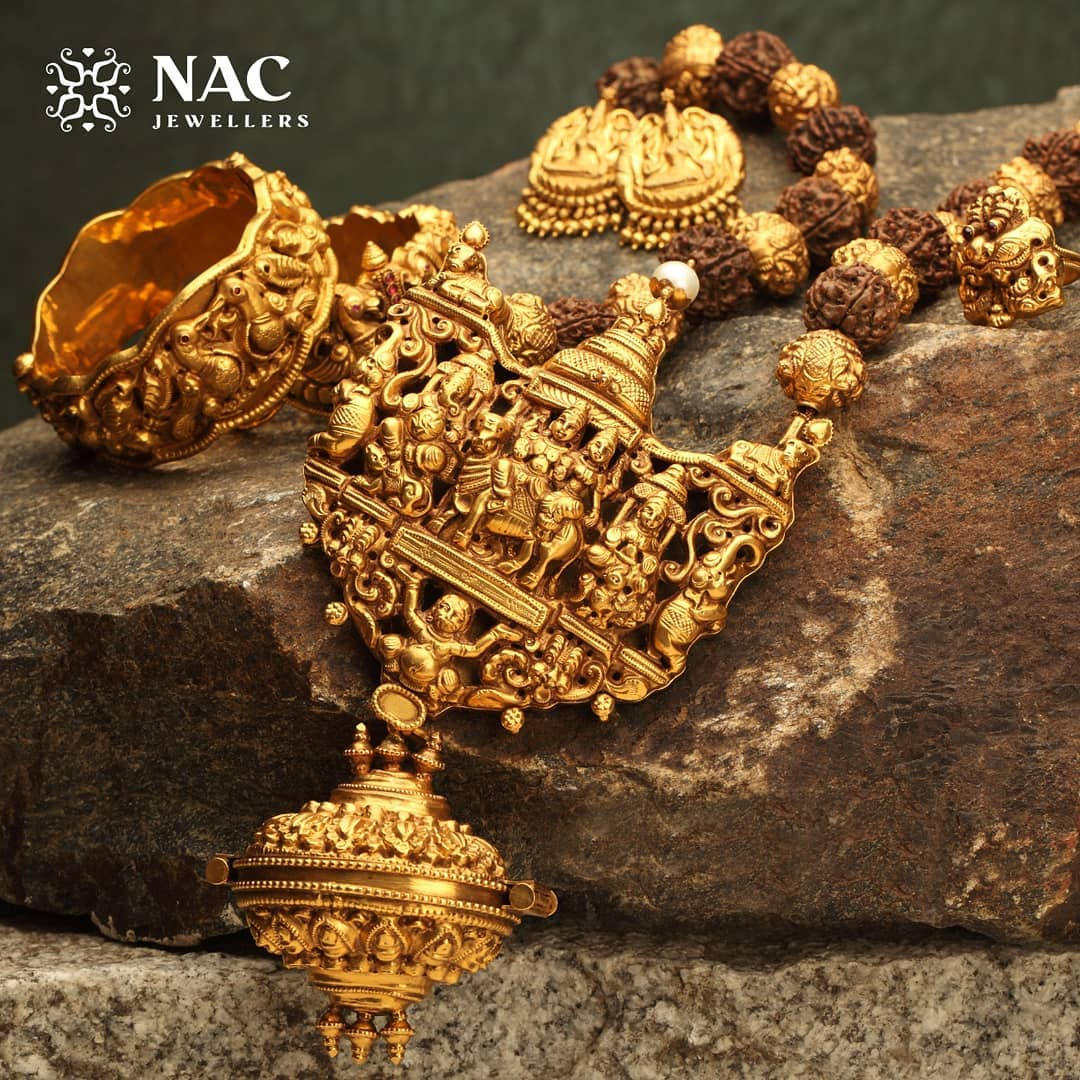 south-indian-gold-temple-jewellery-collections (18)