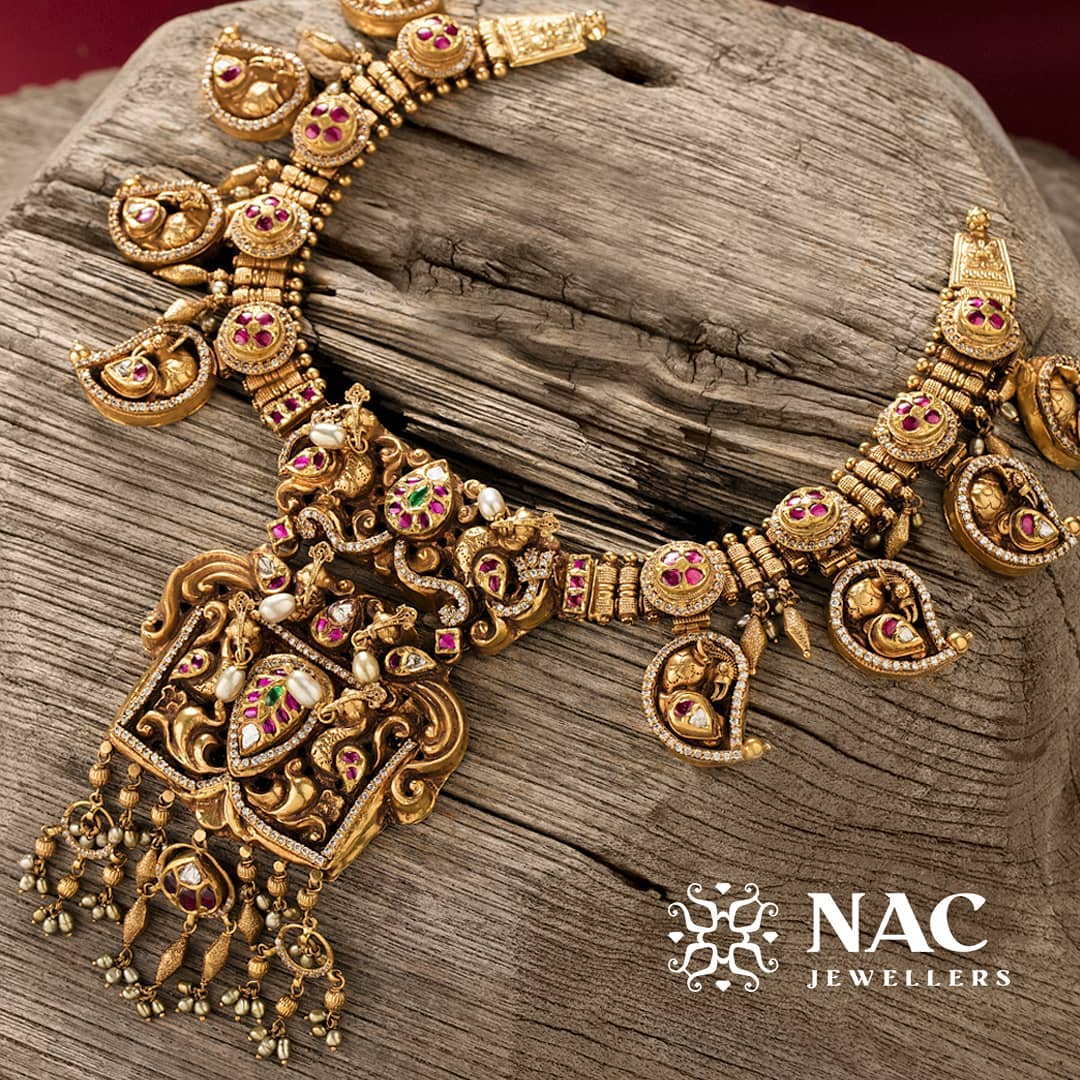 south-indian-gold-temple-jewellery-collections (4)