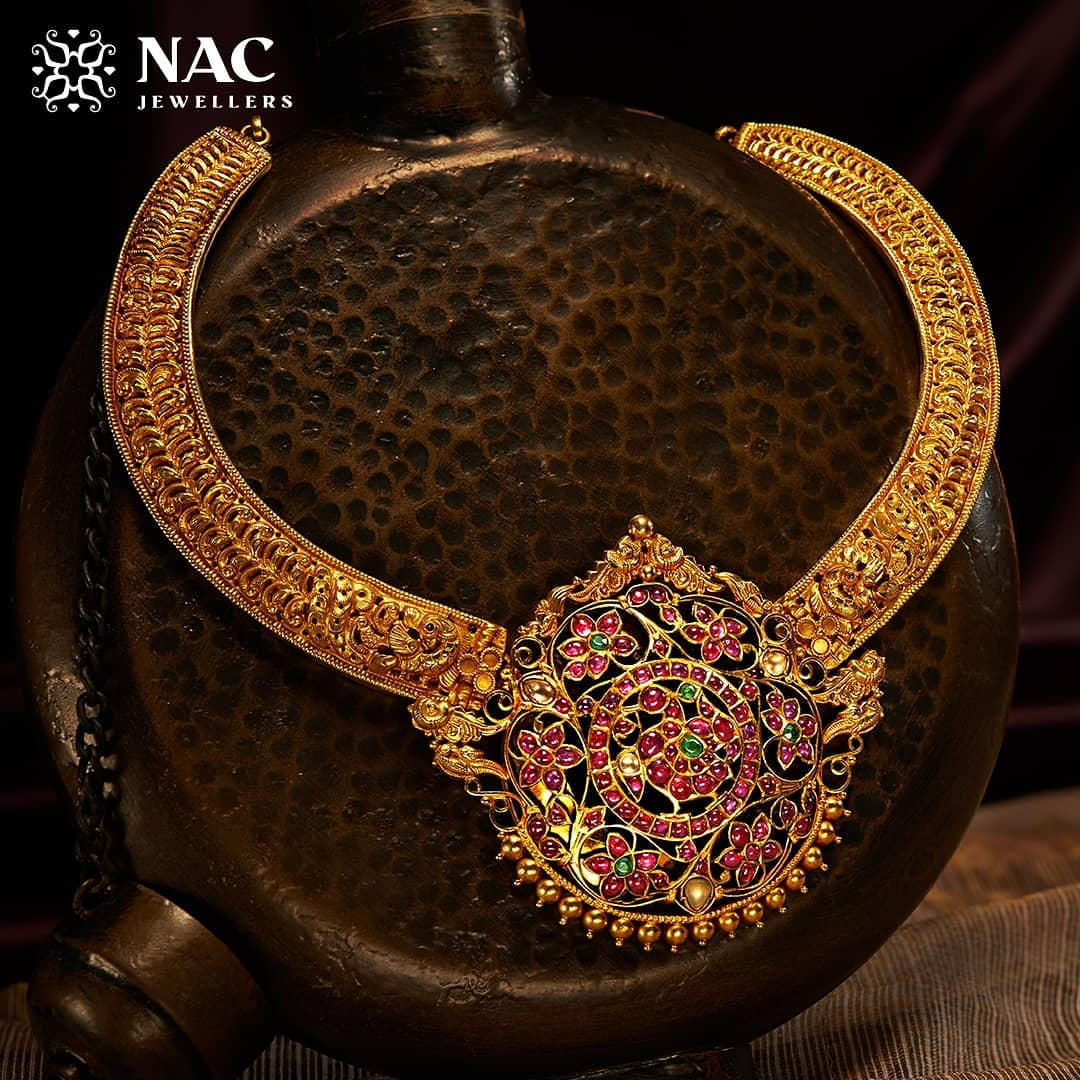 south-indian-gold-temple-jewellery-collections (7)