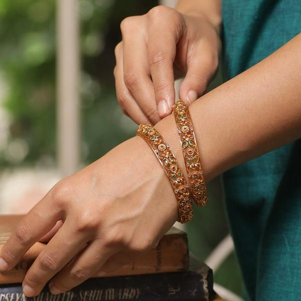 Traditional-South-Indian-Bangle-Designs(19)