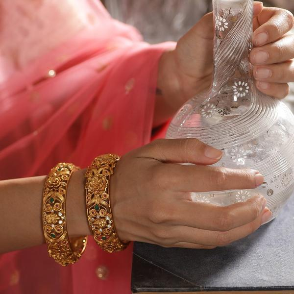 Traditional-South-Indian-Bangle-Designs(9)