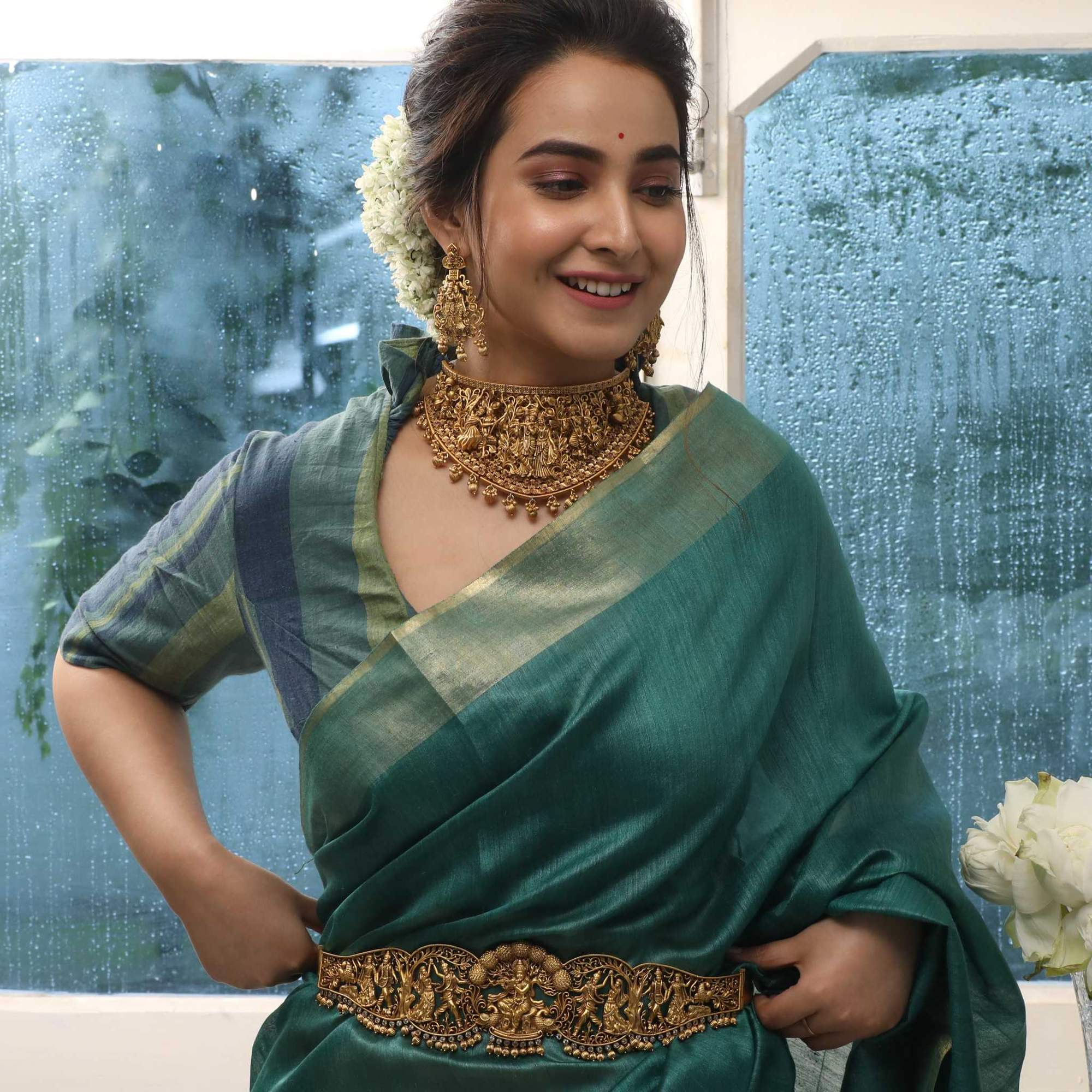 south-indian-bridal-vadanam-designs-3