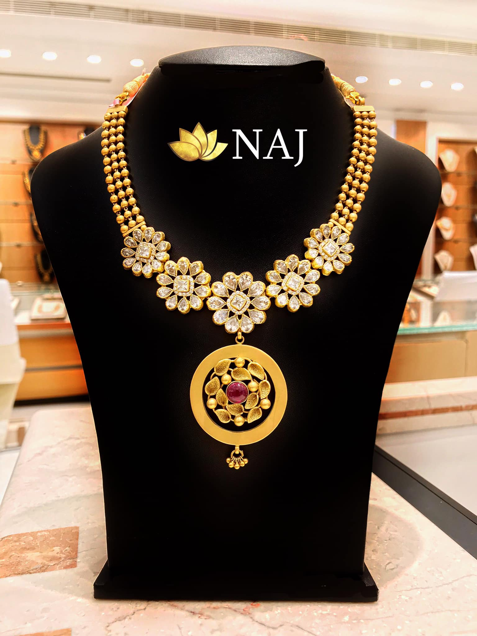 traditional-gold-necklace-designs-16