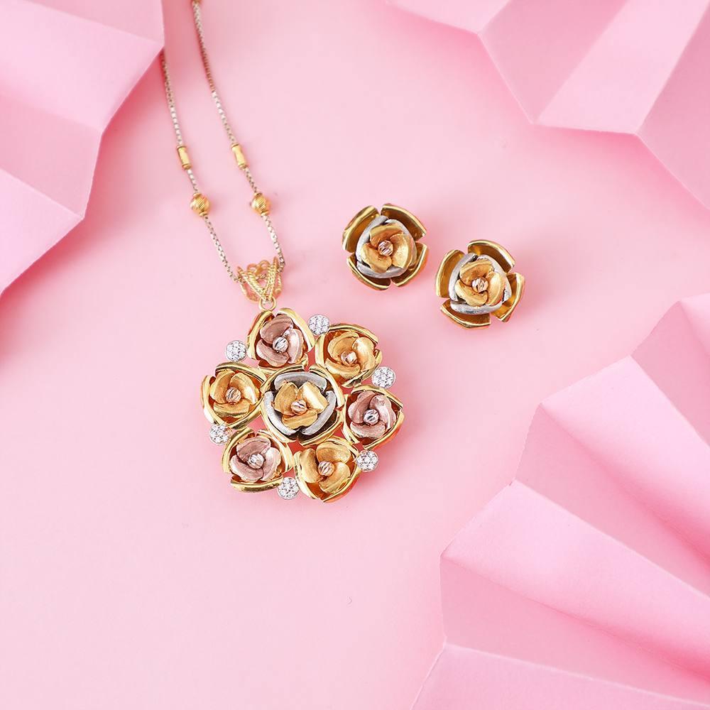 Gold Necklace Set Designs