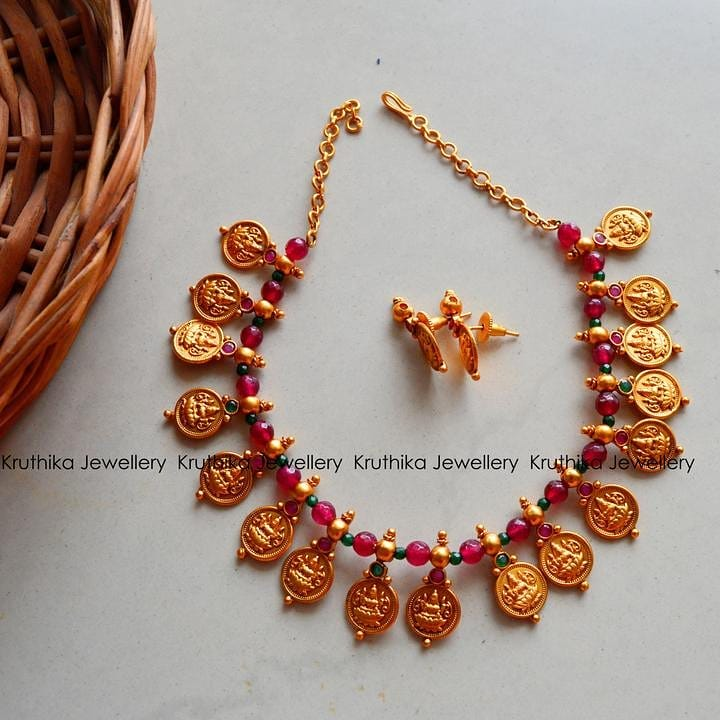 beautiful necklace images