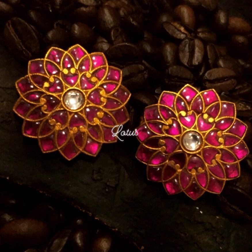bold-antique-ear-studs-2019 (4)
