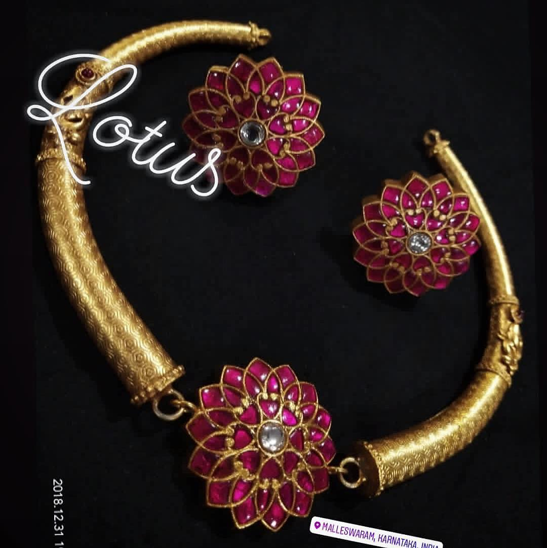 bold-antique-jewellery-collections (15)