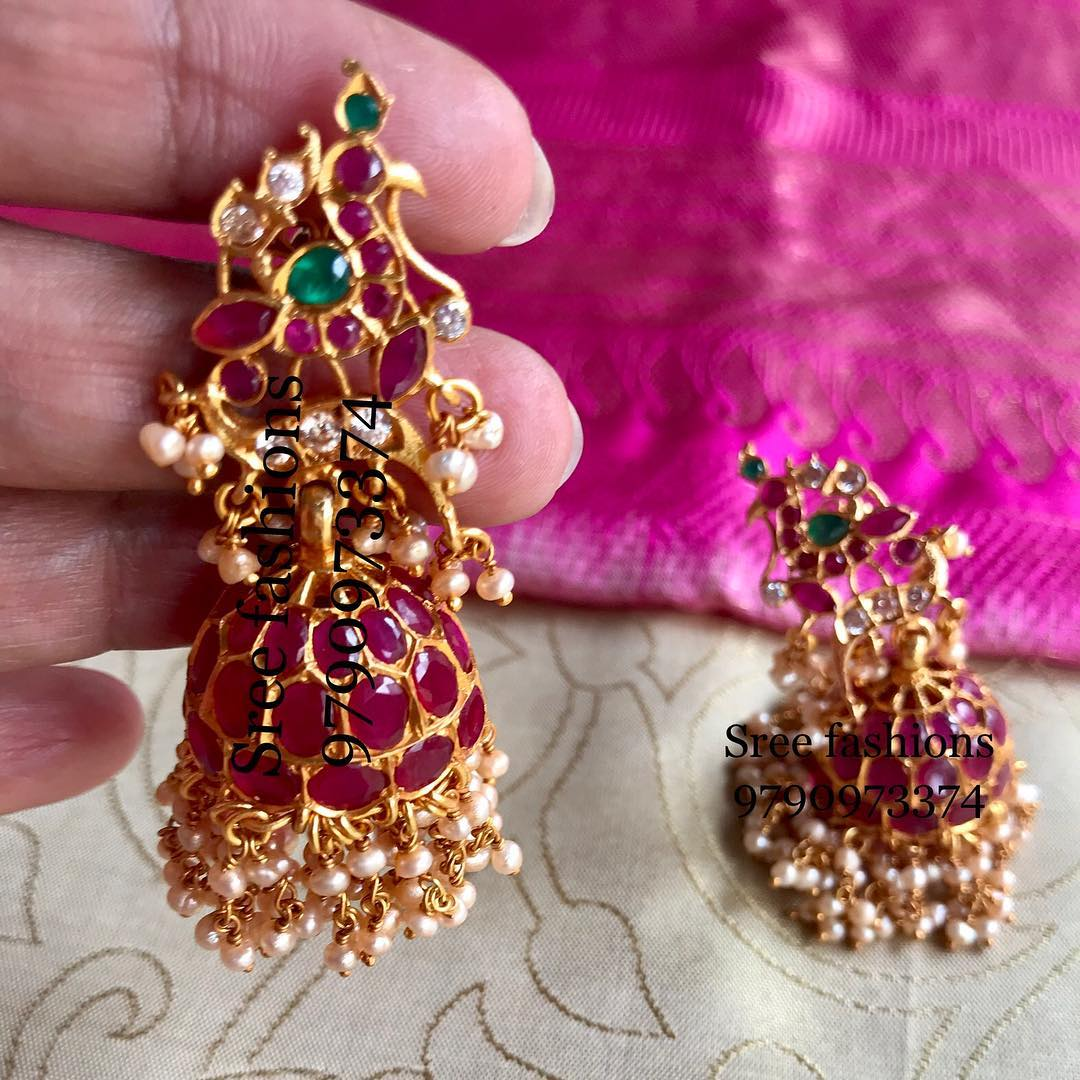 gold-plated-jewellery-designs-for-sarees (13)