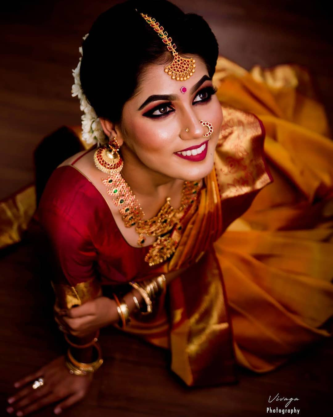 saree-with-bold-antique-gold-jewellery (8)