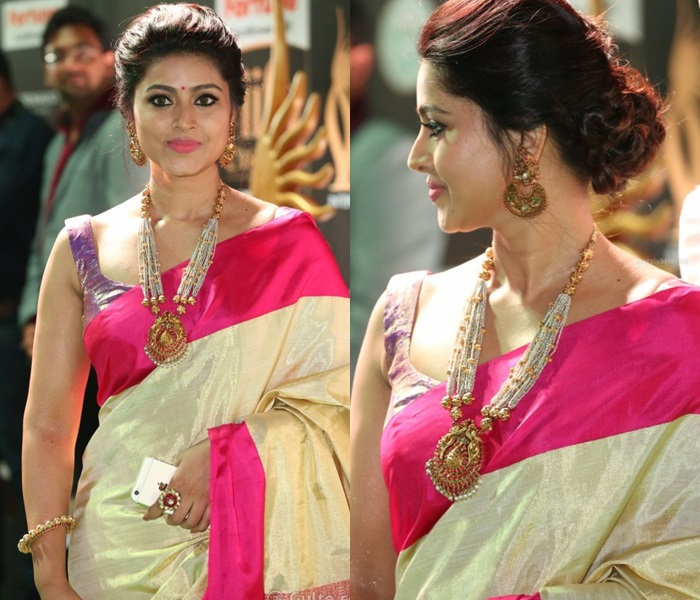 saree-with-bold-antique-gold-jewellery-featured-image