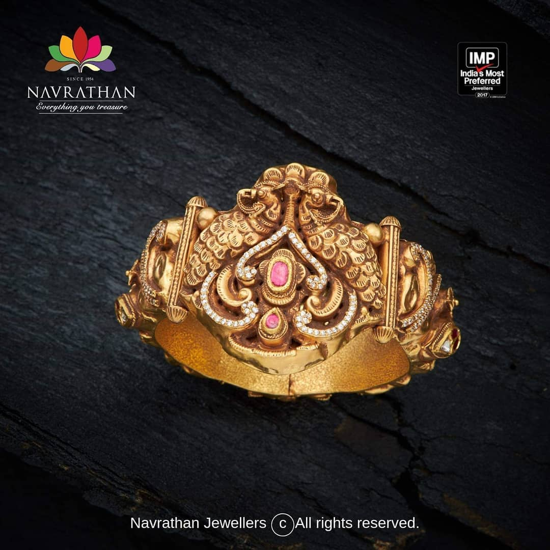 gold-heritage-jewellery-collections-2019 (3)