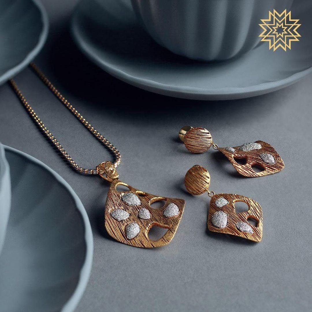 gold-diamond-pendant-sets-designs-2019 (12)