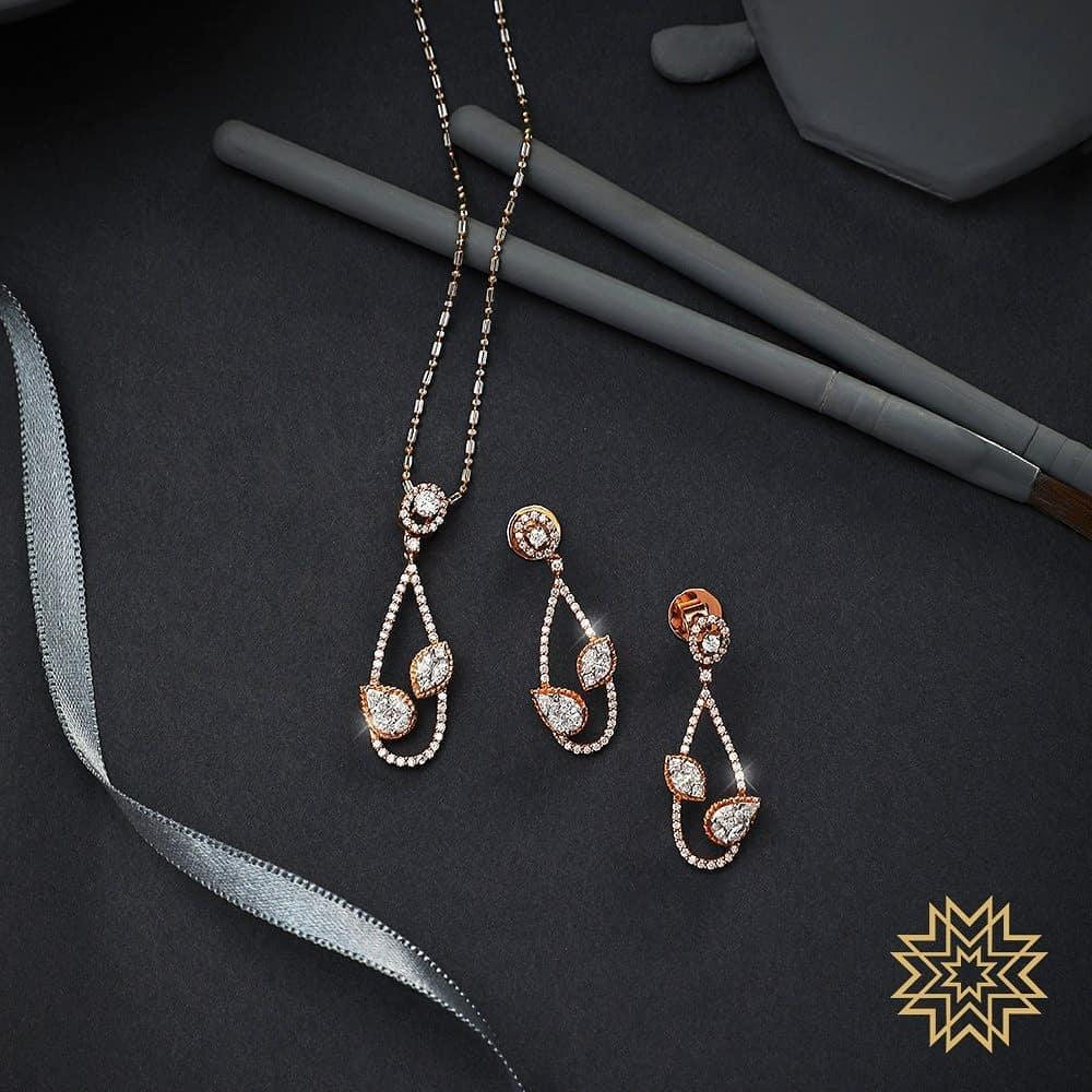 gold-diamond-pendant-sets-designs-2019 (14)