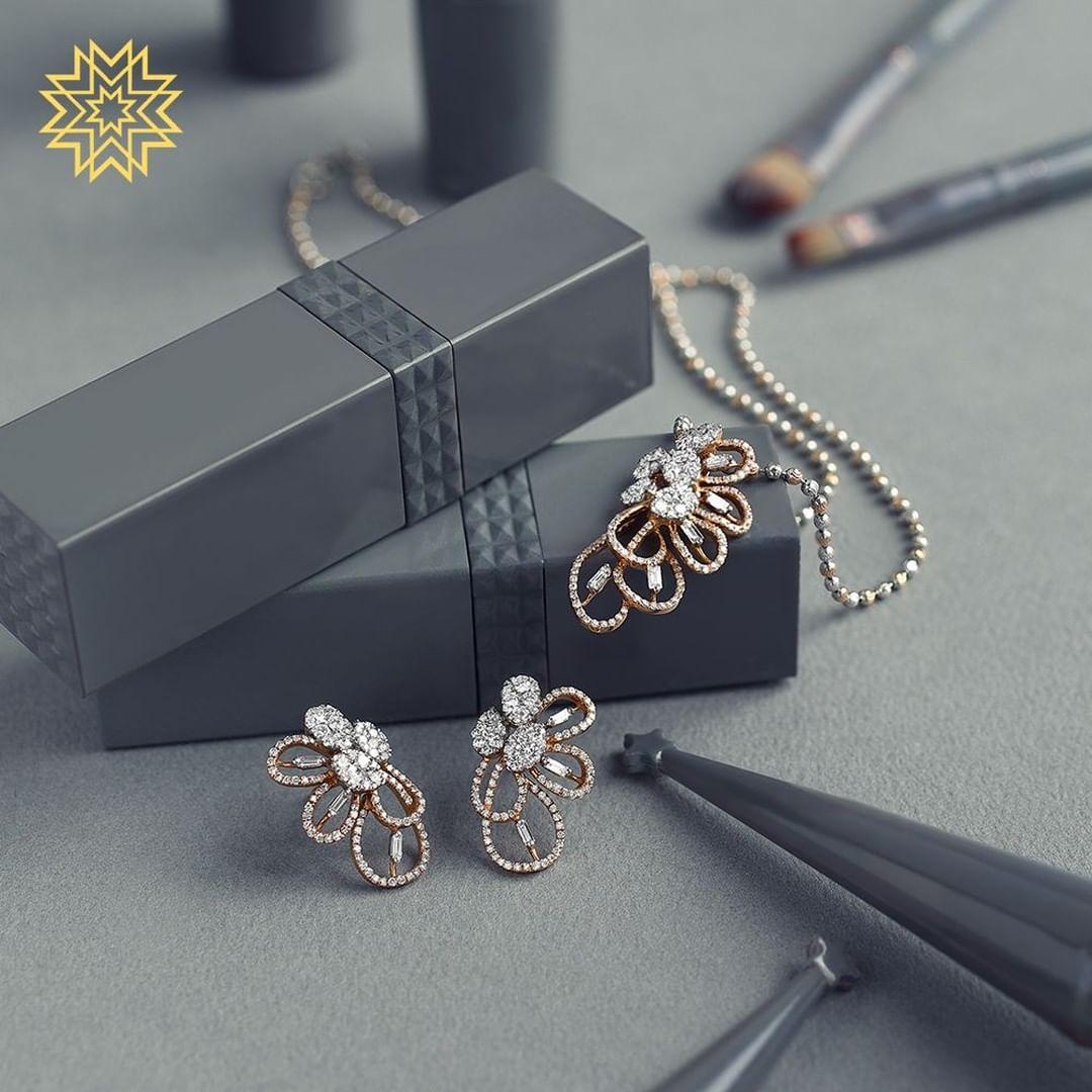 gold-diamond-pendant-sets-designs-2019 (4)
