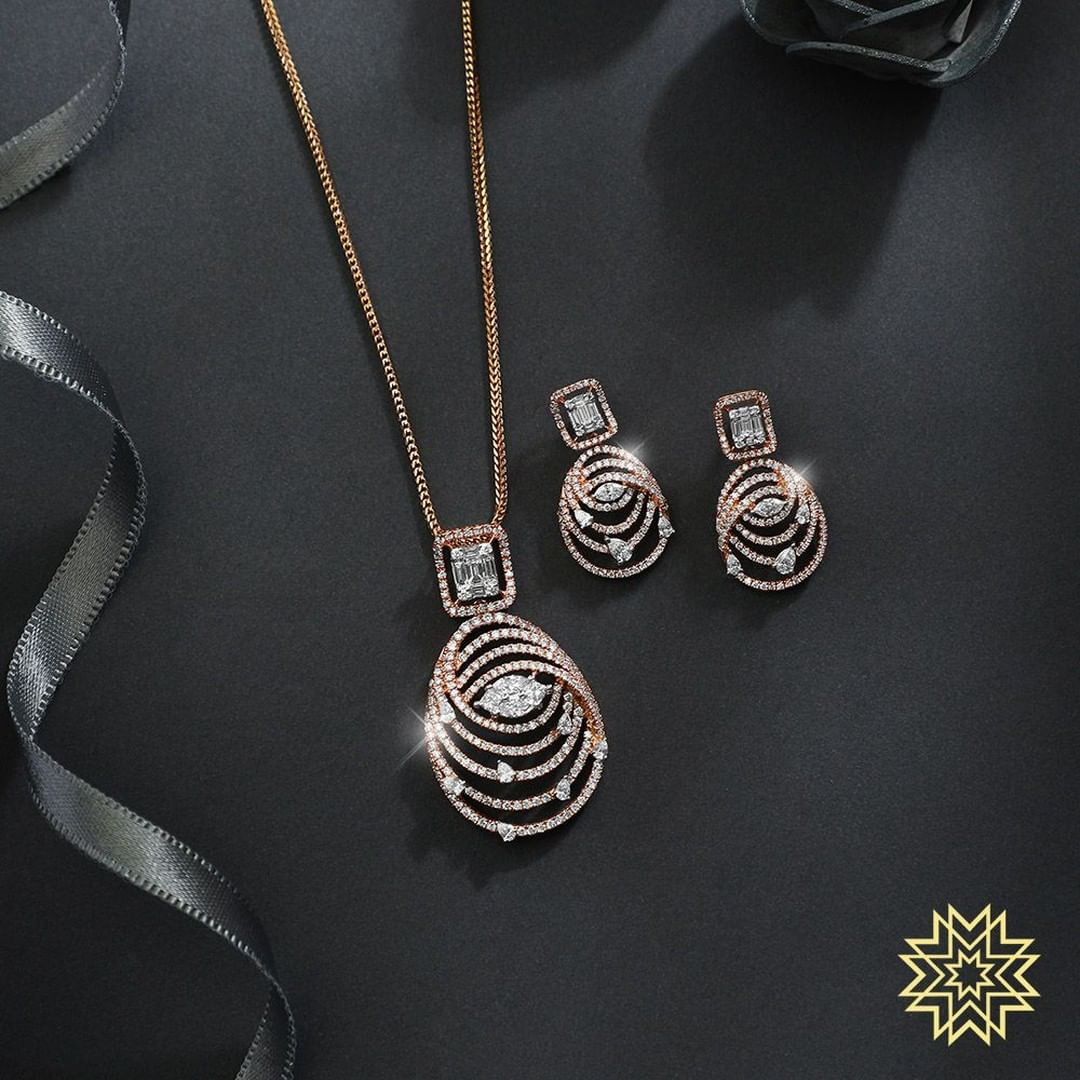 gold-diamond-pendant-sets-designs-2019 (5)
