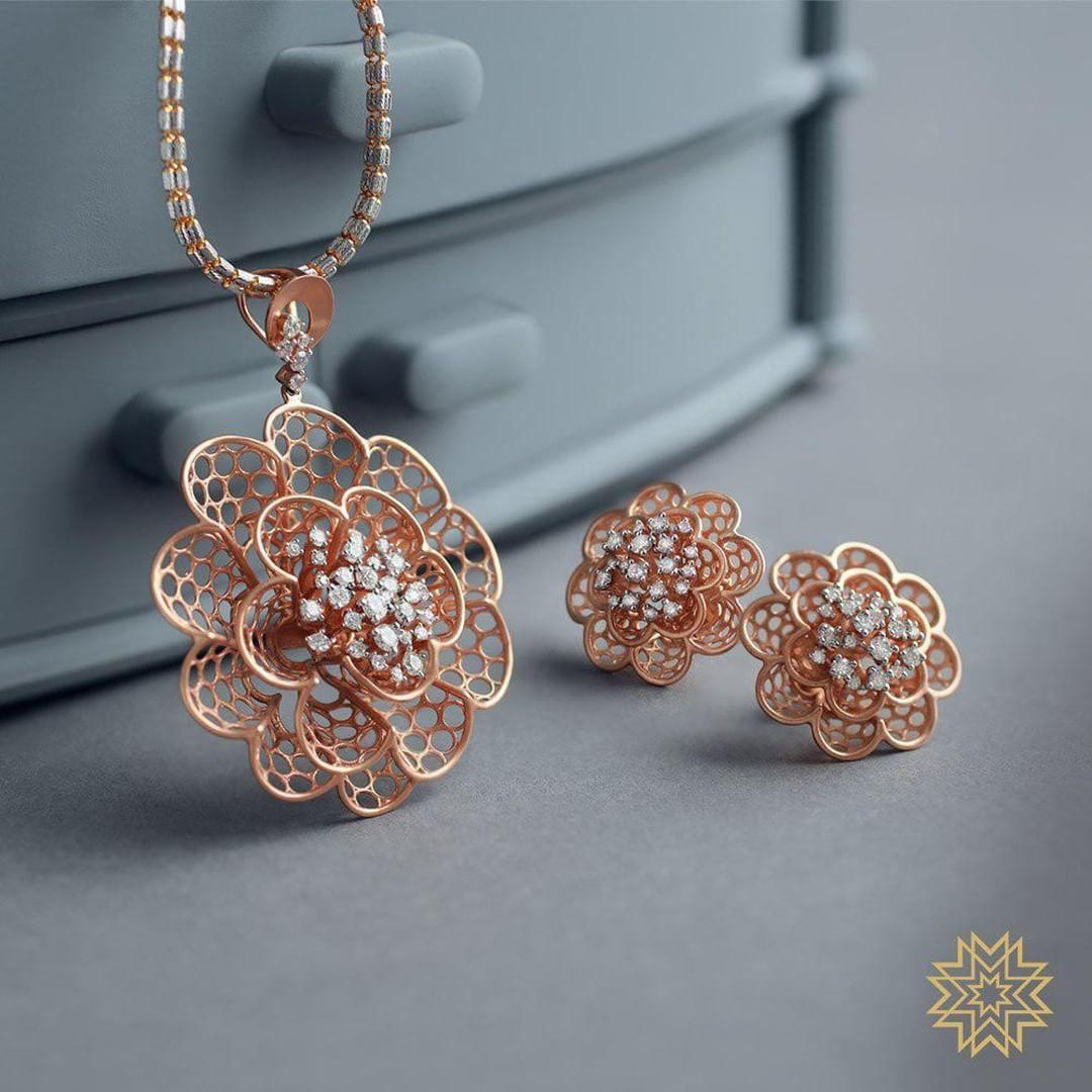 gold-diamond-pendant-sets-designs-2019 (7)