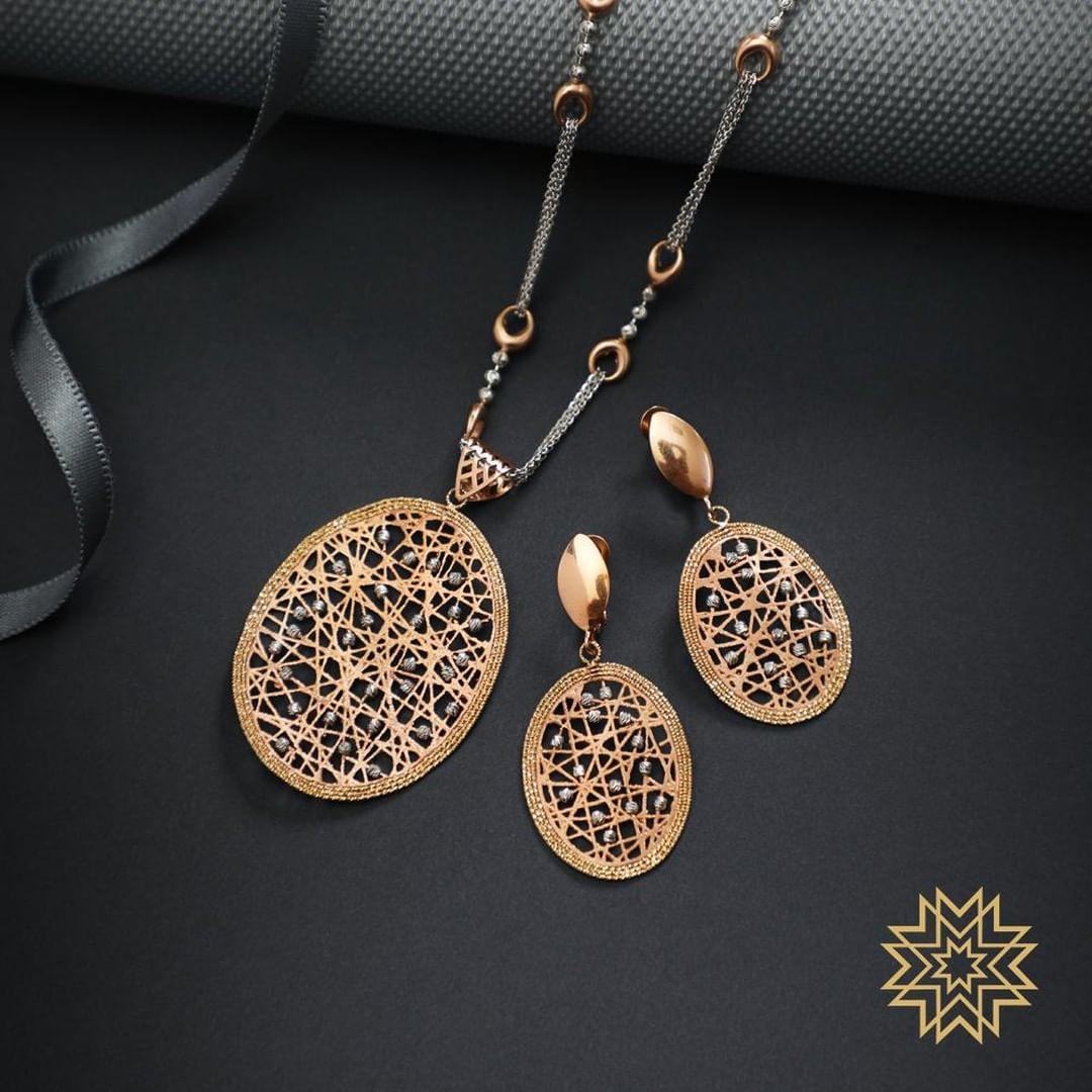 gold-diamond-pendant-sets-designs-2019 (8)