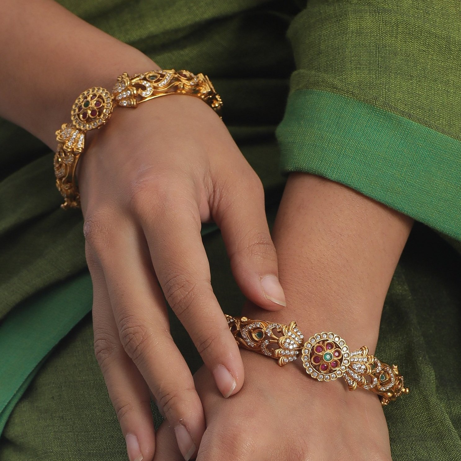 Traditional-South-Indian-Bangle-Designs(1)