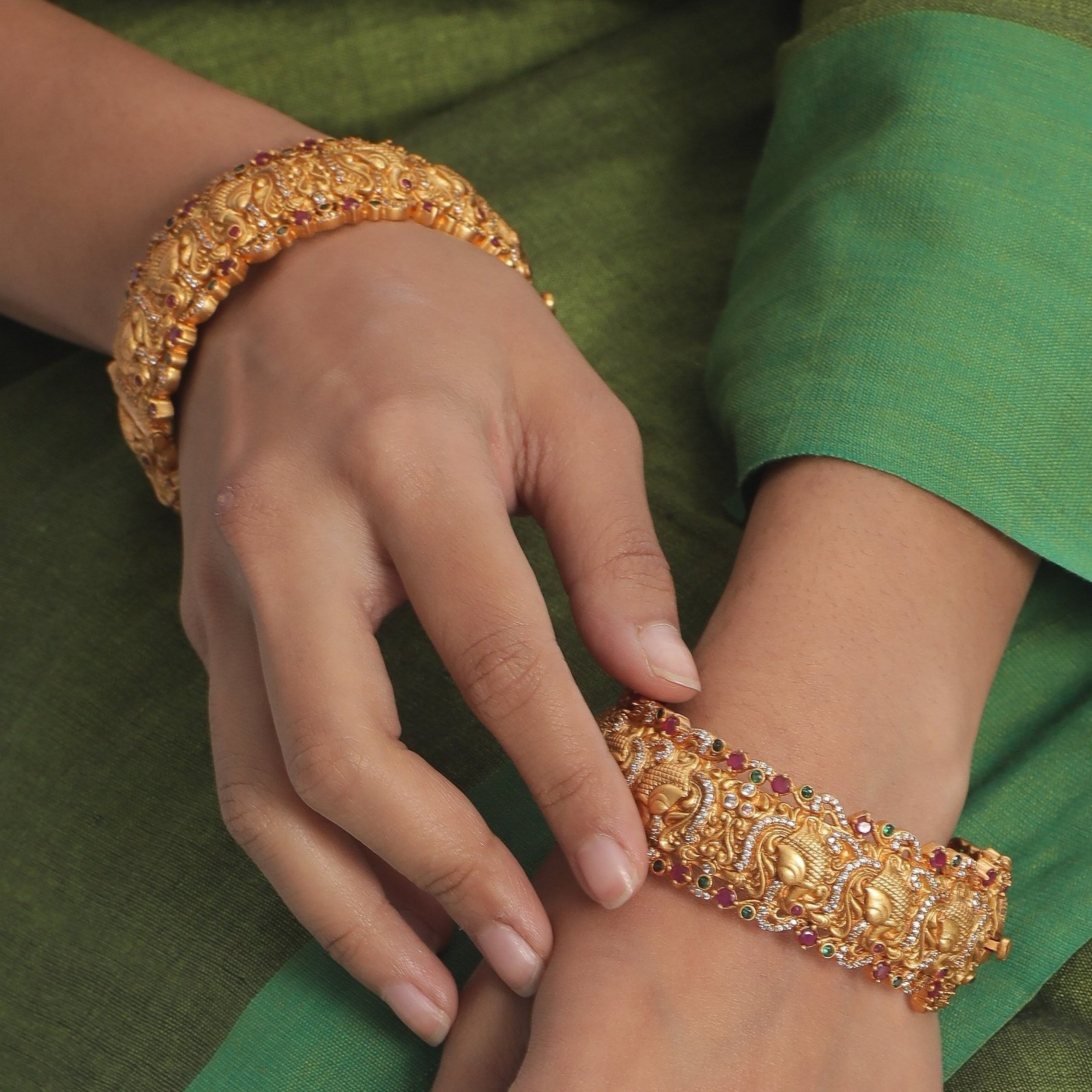 Traditional-South-Indian-Bangle-Designs(10)