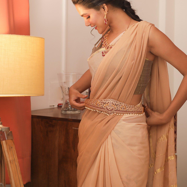 south-indian-bridal-vadanam-designs-5