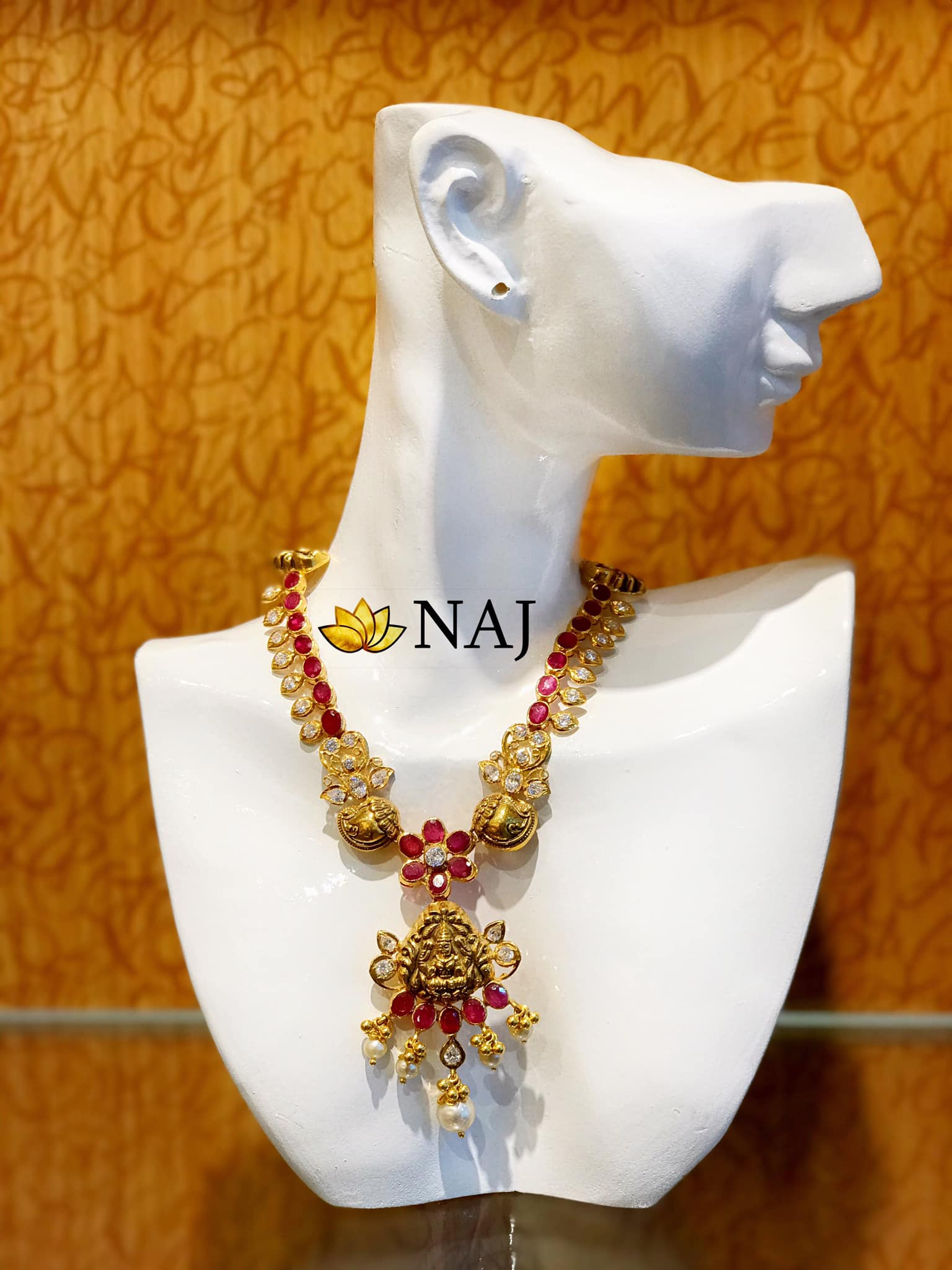 traditional-gold-necklace-designs-10