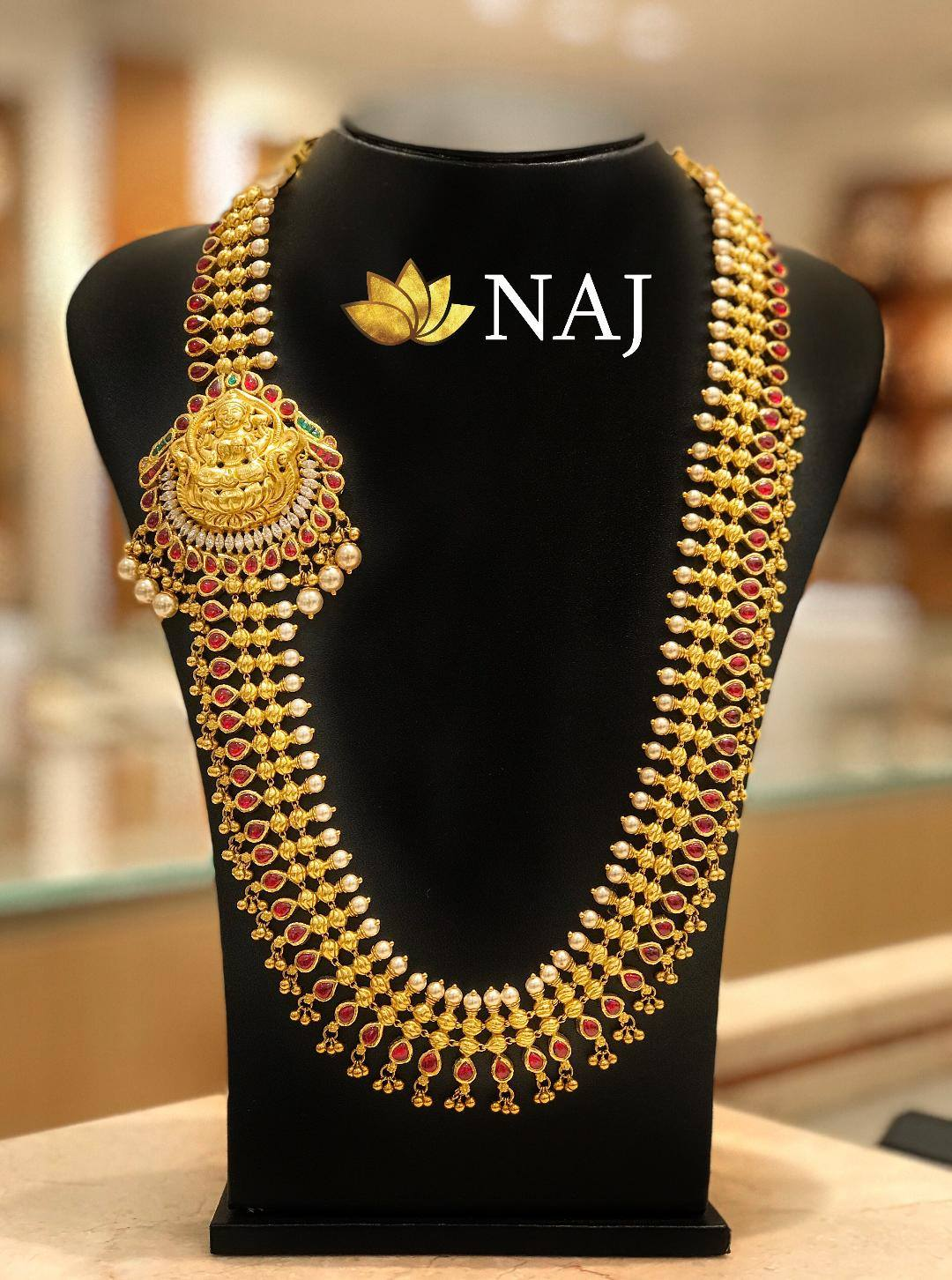 traditional-gold-necklace-designs-17