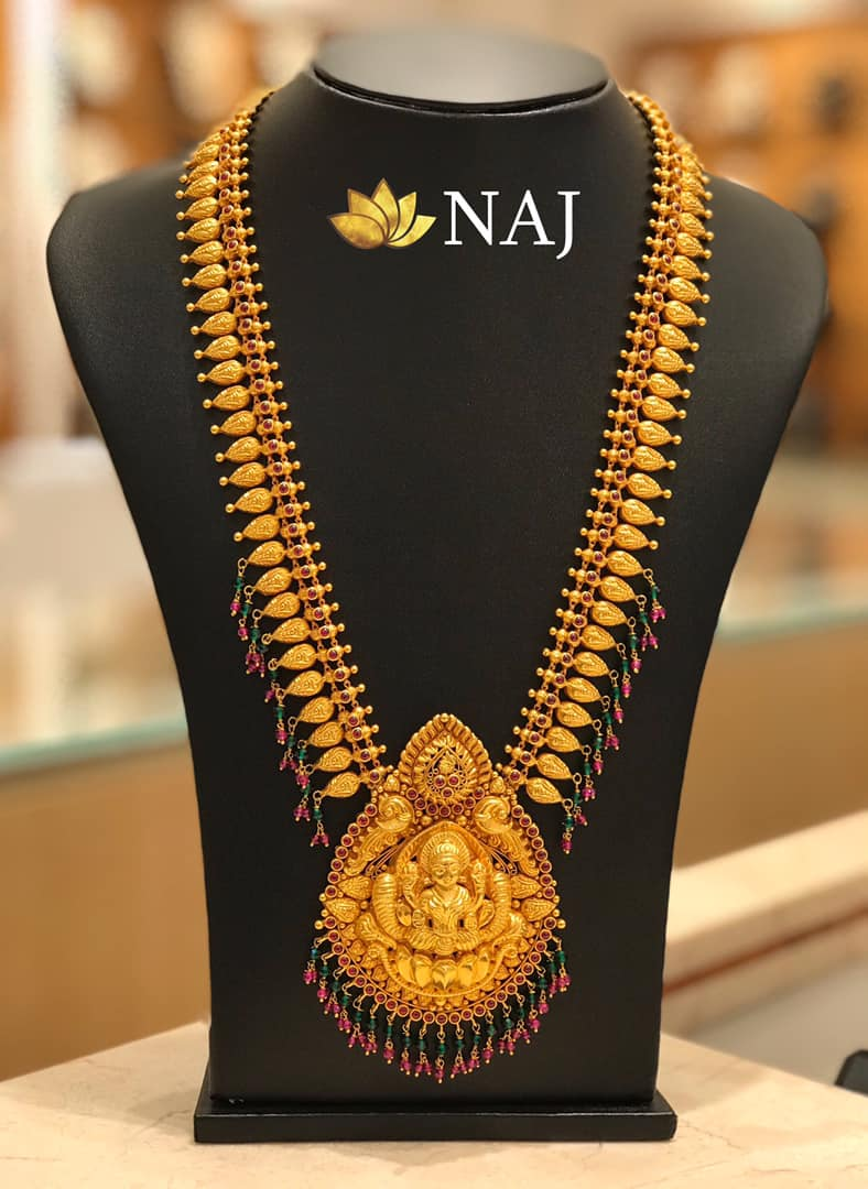 traditional-gold-necklace-designs-2