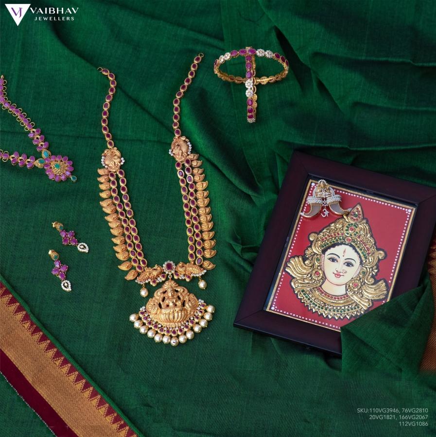 antique-southindian-necklace-designs-3