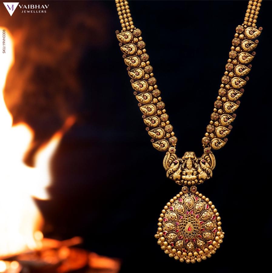 antique-southindian-necklace-designs-4