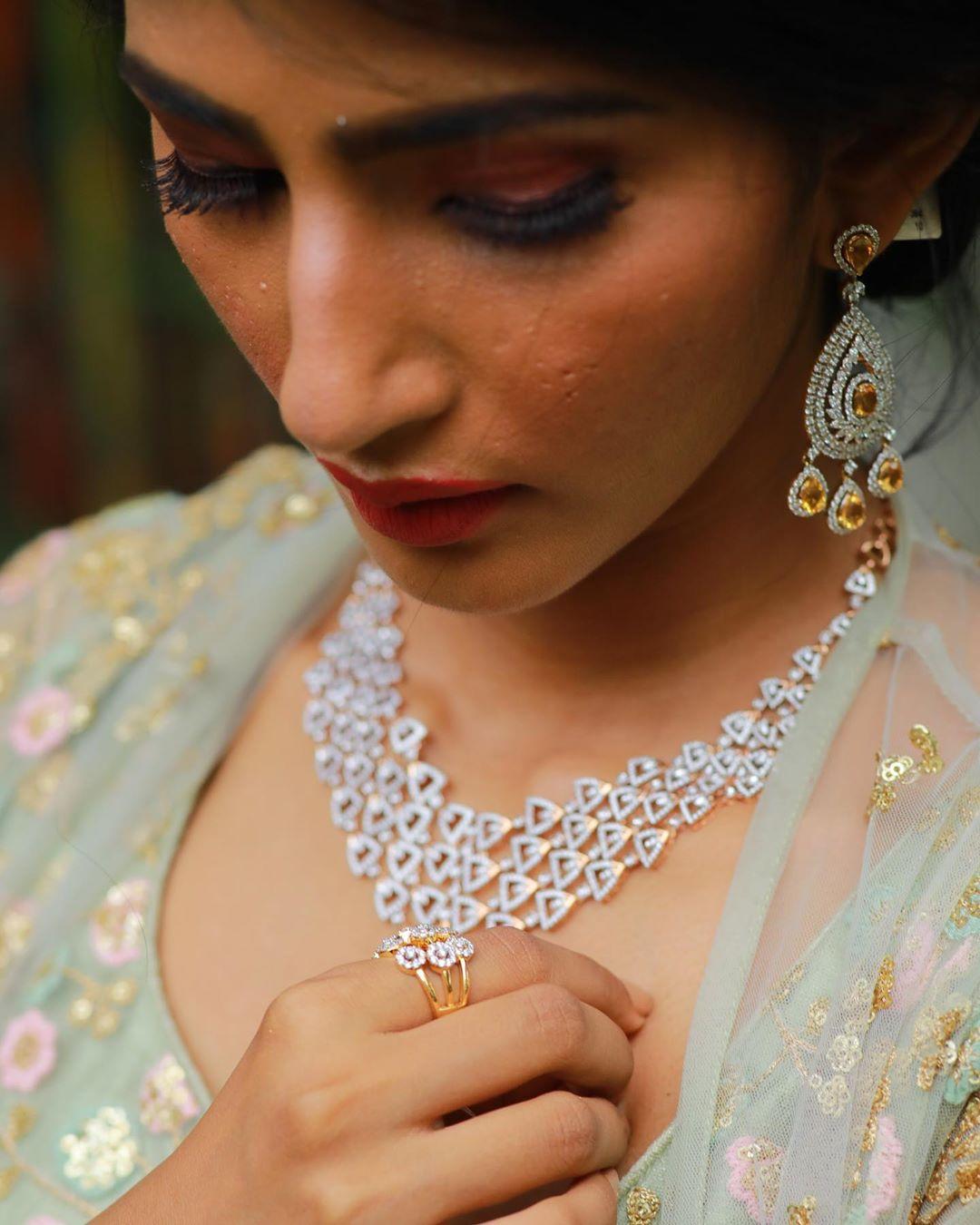 designer-gold-and-diamond-jewellery-11