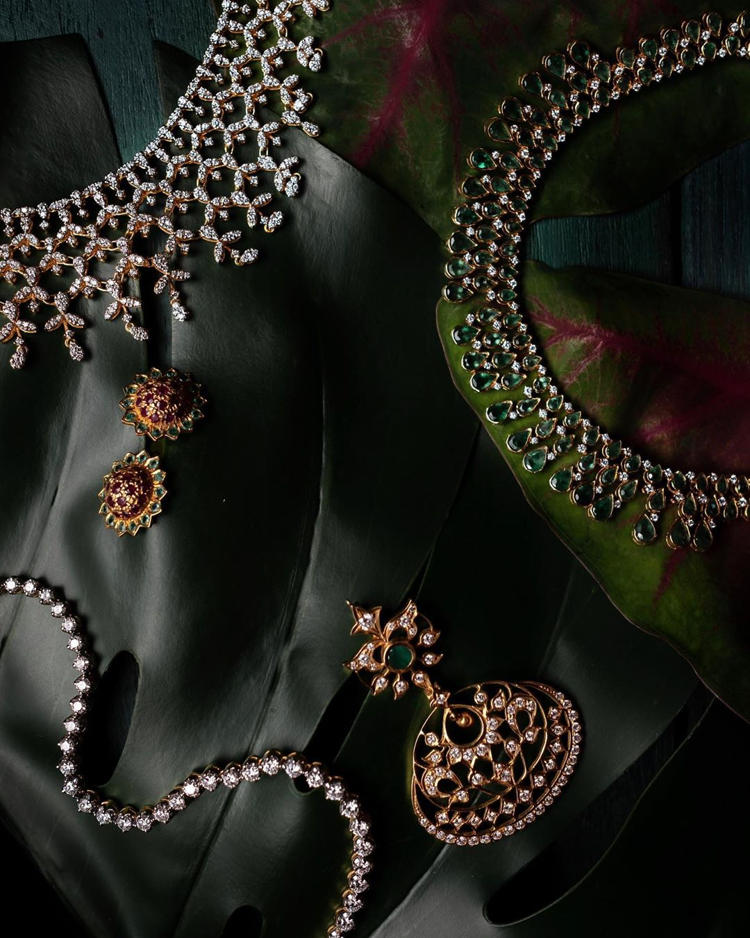 designer-gold-and-diamond-jewellery-14