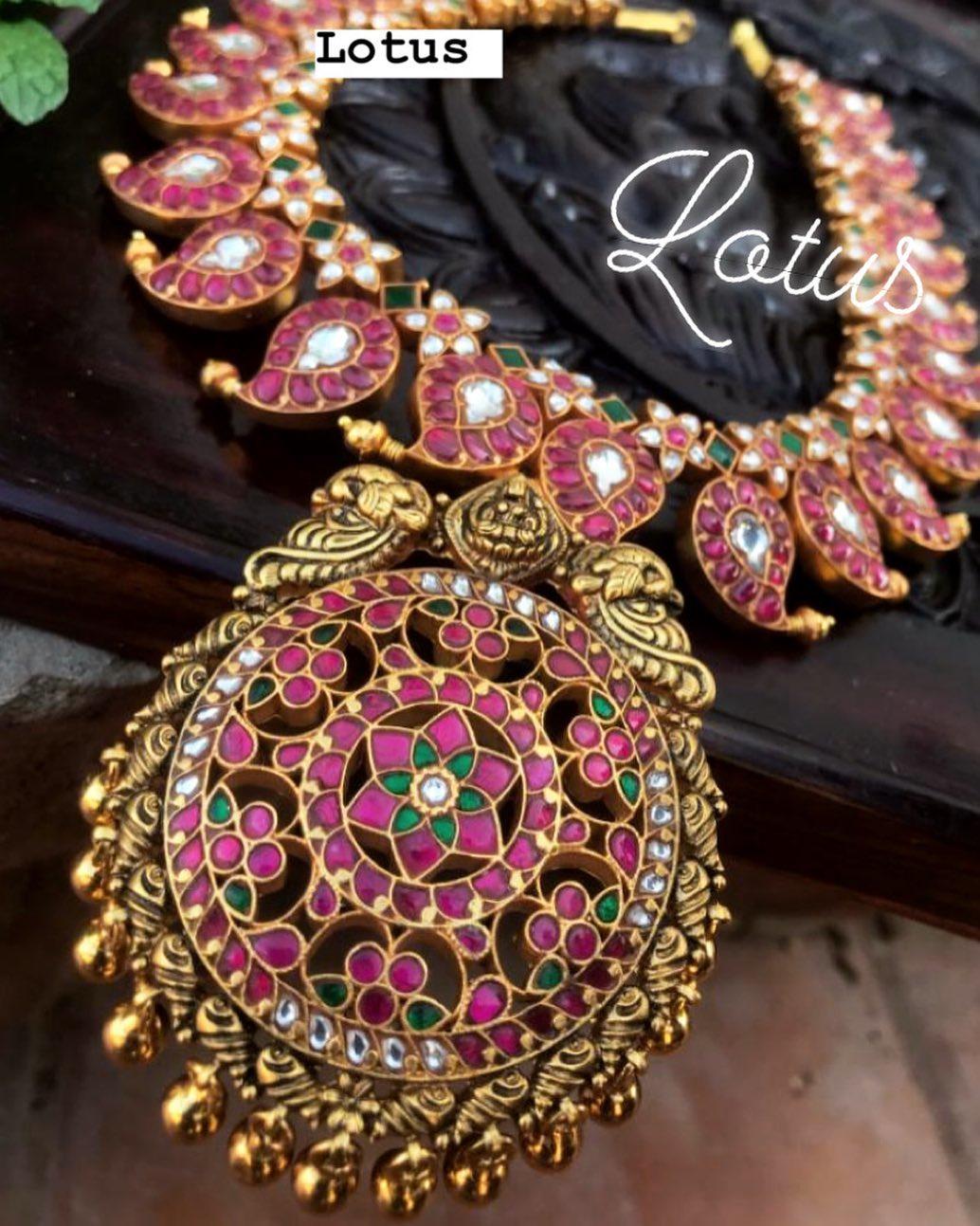 mango-necklace-designs-15
