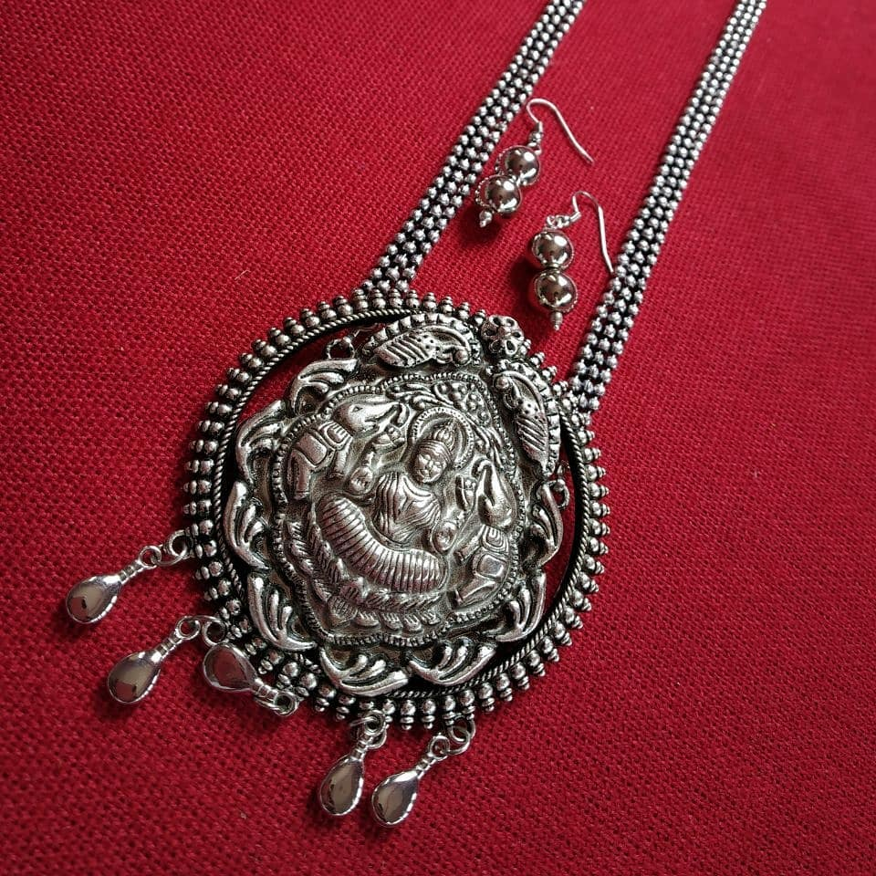 silver-necklace-designs-17
