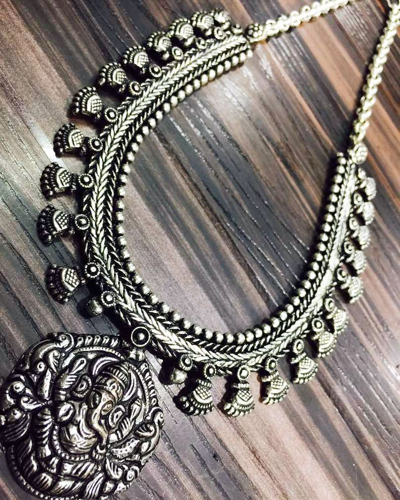 silver-necklace-designs-2