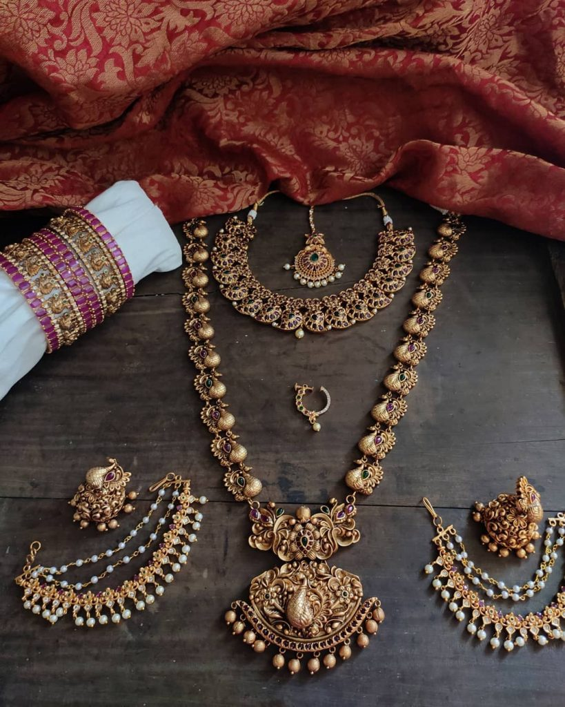 antique-southindian-necklace-designs-16