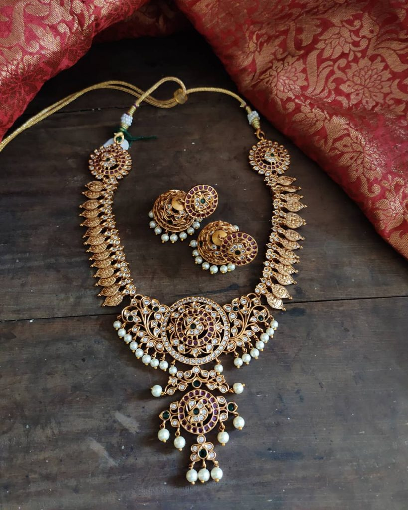 antique-southindian-necklace-designs-8